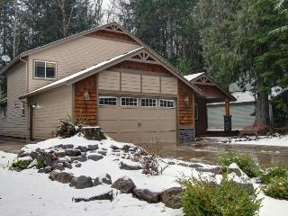 Mount Hood Getaway with Hot Tub - Government Camp vacation rentals