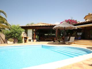Luxury Algarve Villa - 6BR 7WC pool, gardens, WIFI - Algarve vacation rentals