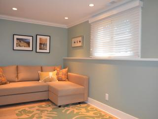 Blue Cedar House in Kitsilano, Luxury 1Bdrm Rental - Vancouver vacation rentals