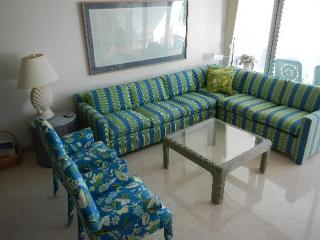 Stylish Condo - #25 Harbour Heights 7MB - Seven Mile Beach vacation rentals