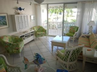 Charming Spot on 7 Mile Bch - #6 Harbour Heights - Seven Mile Beach vacation rentals