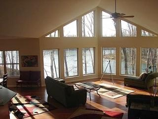 Spectacular House on Lake Alpine at Innsbrook - Innsbrook vacation rentals