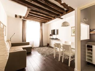 Saint Honore - 3304 - Paris - Milan vacation rentals