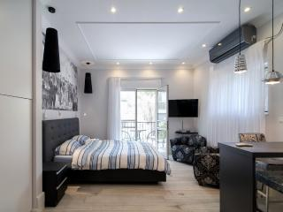 NEW: Stylish Botique Studio in Rehavia, Jerusalem - Jerusalem vacation rentals