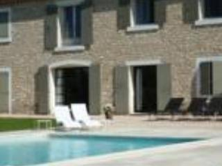 Au Cèdre de Saint Rémy Charming Rental 1 bedroom - Saint-Remy-de-Provence vacation rentals