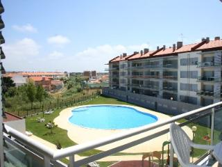471745 - Modern Air Conditioned apartment with Pool and Childrens play area - Sleeps 6 - Sao Martinho do Porto - Sao Martinho do Porto vacation rentals