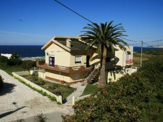 1003990 - 2 bedroom apartment - Uninterrupted sea views - Sleeps 4 - Salgados beach - Nazare - Leiria District vacation rentals