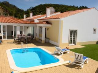 1104943 - 3 bedroom villa with pool - Spacious living/dining areas inside and outside - Sleeps 6 - Obidos - Obidos vacation rentals