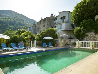 Maison Rose Apartment 1 (2 Bed) with Pool & WiFi - Cap d'Ail vacation rentals
