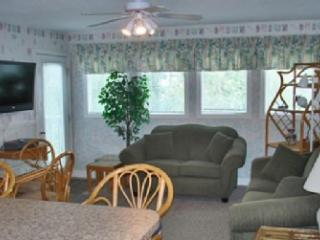 LOTS OF FUN, MB RESORT 2BR, POOL/LAZY RIVER FS4317 - Myrtle Beach vacation rentals
