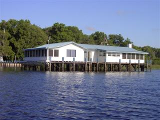 Lake House Blue - The Perfect Vacation House with 360* View - Crescent City vacation rentals