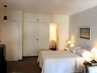 Studio with excellent location - Posadas and Montevideo st, Recoleta (G119RE) - Buenos Aires vacation rentals