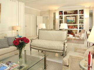 Amazing Luxury apartment in the heart of Recoleta - Callao ave and Guido st (203RE) - Buenos Aires vacation rentals