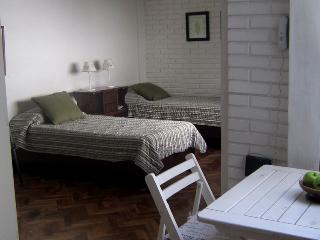 G134RE - Austria and Melo st, Recoleta, Buenos Aires. - Buenos Aires vacation rentals