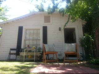 Comfy Cottage in Cool Hip Area - Fort Worth vacation rentals