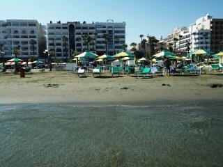 Waterfront apartment in the heart of the city - Pervolia vacation rentals