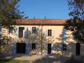 Piedmont Farmhouse B&B, Italy - Calamandrana vacation rentals