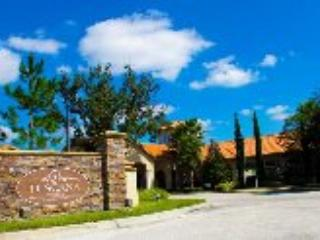Entrance to Tuscana Resort - Luxurious 2 Bed/2 Bath Condo Near Disney! - Davenport - rentals