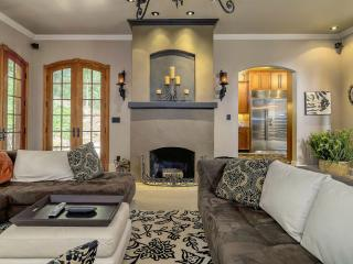 _______ LUXURY  MASTER  SUITE _______ITALIAN VILLA - Portland vacation rentals