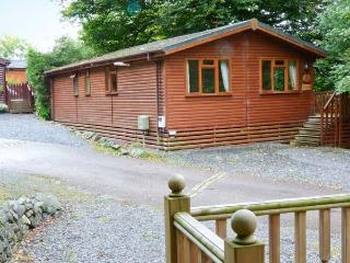 LAKESHAVEN detached lodge, close to Windermere, on-site pool in Troutbeck Bridge Ref 28353 - Troutbeck Bridge vacation rentals