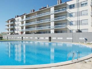 0070 - Modern Sea View apartment with Pool and walking distance to the Beach, Sleep 6 - Sao Martinho do Porto - Sao Martinho do Porto vacation rentals