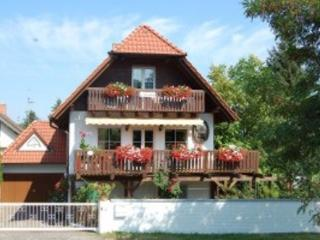 Vacation Apartment in Bad Dürkheim - 969 sqft, quiet, unique, comfortable (# 4383) - Rhineland-Palatinate vacation rentals