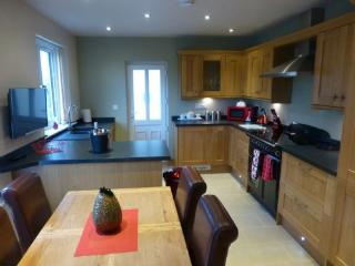 MEADOW CROFT COTTAGE, Hillside Park, (Hot Tub), Pooley Bridge, Ullswater - Keswick vacation rentals