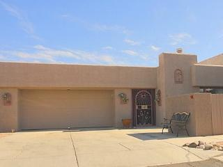 Cozy Three Bedroom, Patio Home in Small Quiet Community - Tucson vacation rentals