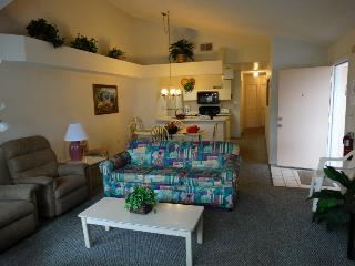 Condo/Apartment in Orlando Area! Tenis Court and Pool - Kissimmee vacation rentals