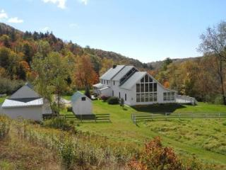 Applebrook Farm is the true Vermont paradise with 66 acres of rolling meadows, pastures, panoramic mountain views, and soothing  - Killington vacation rentals