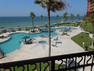 Two Bedrooom Beachfront Paradise in Puerto Penasco - Puerto Penasco vacation rentals