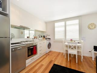 Position Perfect - Carlton - Melbourne vacation rentals