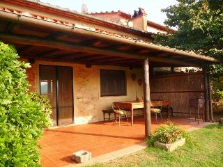 Beautiful cottage in the tuscan hills with wonderful panorama! Swimming pool and garden! - Lucca vacation rentals
