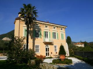 House in the tuscan countryside with swimming pool and garden! - Lucca vacation rentals