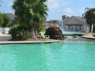 502 - POOLSIDE Condo Sleeps 6 - Corpus Christi vacation rentals
