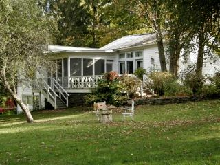 Woodstock Carriage House in Village - Woodstock vacation rentals