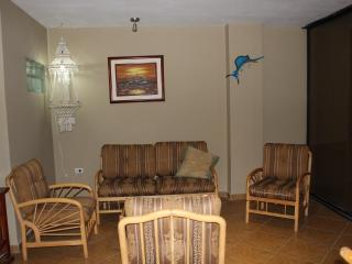4 Bedroom Condo on Salinas Beach - Salinas vacation rentals