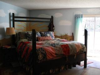 Derby House at Trinity Pines Retreat, East Texas - Edom vacation rentals