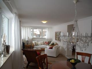 LLAG Luxury Vacation Apartment in Feldafing - 1076 sqft, pleasant, central, comfortable (# 4390) - Germany vacation rentals
