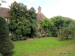 Old Priory Cottage, Dunster - Character cottage in the heart of medieval Dunster - Sleeps 4 - Porlock vacation rentals