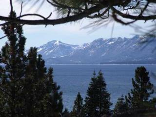 Dollar Point Lakeview - hot tub- SKI LEASE AVAIL - Tahoe City vacation rentals