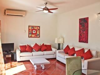 BUEN AIRE - 2 bed/2 bath with Fifth Avenue views - Playa del Carmen vacation rentals