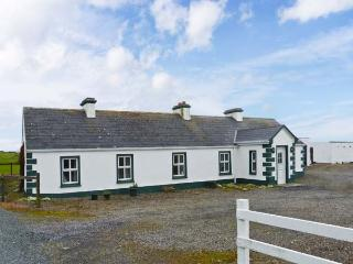 GREEN FORT COTTAGE, a traditonal detached cottage, multi-fuel stove, private access to sandy beach, near Dromore West and Ennisc - County Sligo vacation rentals