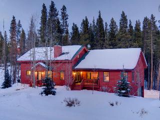 Secluded home near river with shuttle on demand, game room, and hot tub! - Snowy River Retreat - Mountain Village vacation rentals