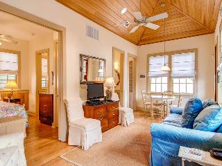 Cozy carriage house in the heart of Rosemary Beach - Big Thyme Carriage House - Rosemary Beach vacation rentals