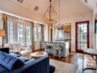 Luxury Carriage House, shares private pool with Main House, near Rosemary Beach town center - New Providence Carriage House - Rosemary Beach vacation rentals