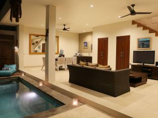 Near-new 2-bed villa in the heart of Seminyak! - Seminyak vacation rentals
