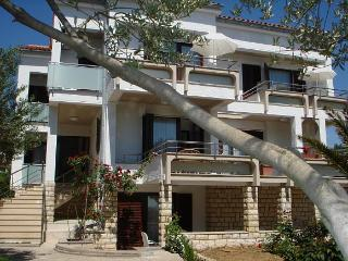Large Novalja Apartment with 2 bedrooms Nadica 6.1 - Novalja vacation rentals