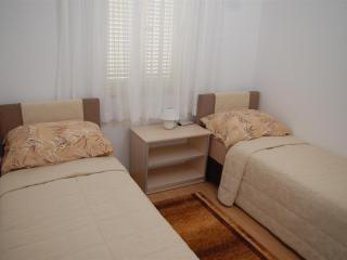 Pleasant apartment Bety 1 with two bedrooms for 5pax in Novalja - Novalja vacation rentals