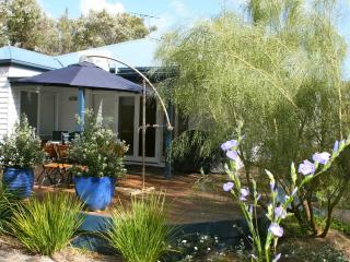 Ocean Blue Beach House - 3 bed, 2 bath, 2 living - Mornington Peninsula vacation rentals